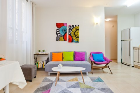 Tel Aviv Apartments - Charming central apt with a garden - Main Image