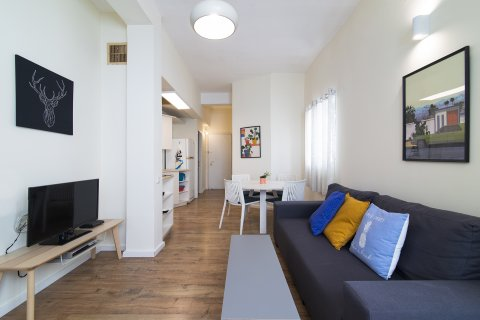 Tel Aviv Apartments - 2 BR Quiet 2 Min Walk to the Beach - Main Image