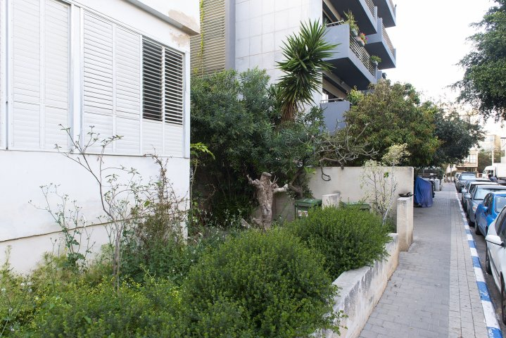 Tel Aviv Apartments - 2 BR Quiet 2 Min Walk to the Beach, Tel Aviv - Image 127330