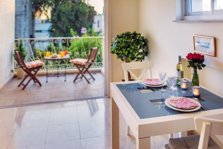 Jerusalem Apartments - BEST LOCATION 2 BDR WITH BALCONY, Jerusalem - Image 85136