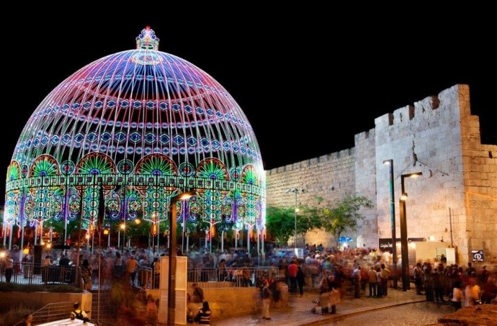 Jerusalem Apartments - BEST LOCATION 2 BDR WITH BALCONY, Jerusalem - Lighting Festival at the Old city