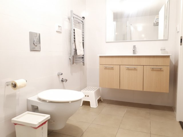 Jerusalem Apartments - Walking distance to the Old city, Jerusalem - Bathroom