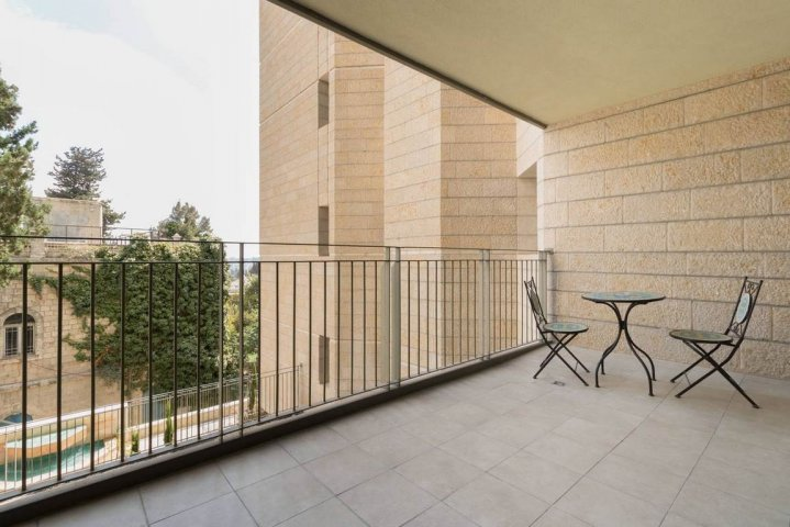 Jerusalem Apartments - Walking distance to the Old city, Jerusalem - Balcony
