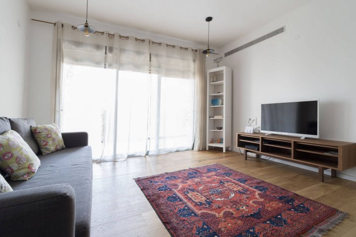 Jerusalem Apartments - Walking distance to the Old city, Jerusalem - Living room