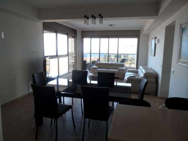 Netanya Apartments - Ir Yamin - 4 Bed Sea-View Apartment, Netanya - Image 105279