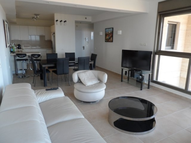 Netanya Apartments - Ir Yamin - 4 Bed Sea-View Apartment, Netanya - Image 105278