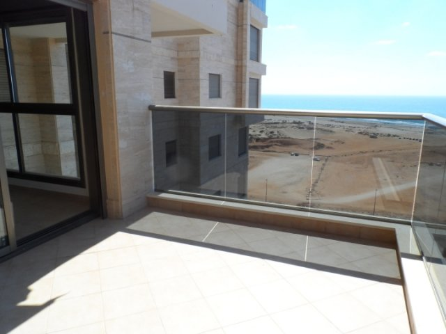 Netanya Apartments - Ir Yamin - 4 Bed Sea-View Apartment, Netanya - Image 105276