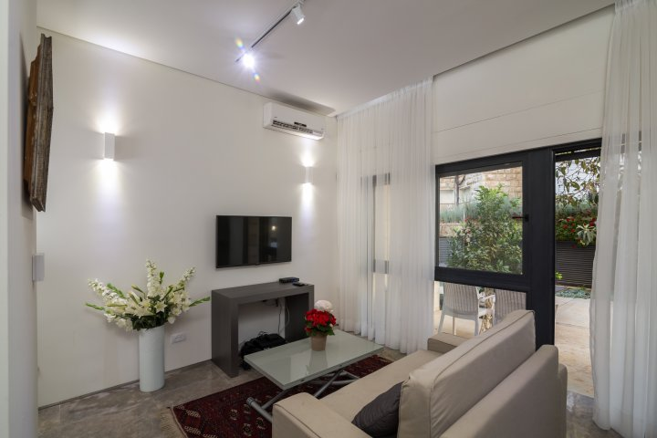 Jerusalem Apartments - Exquisite apt in Talbiya, Jerusalem - Image 127042