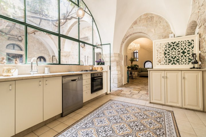 Jerusalem Apartments - VILLA MAMILLA  - LUXURY RENTAL, Jerusalem - Image 118622