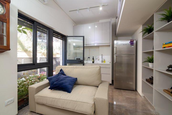 Jerusalem Apartments - Exquisite duplex apt in Talbiya , Jerusalem - Image 124564