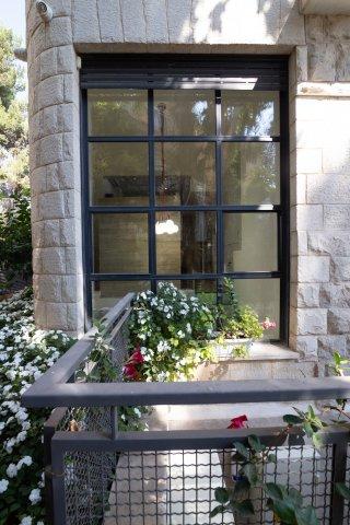 Jerusalem Apartments - Exquisite duplex apt in Talbiya , Jerusalem - Image 124556