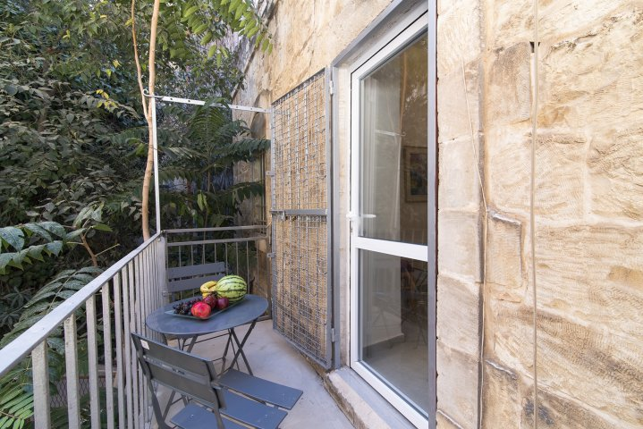 Jerusalem Apartments - Super central studio with Garden II, Jerusalem - Image 124356