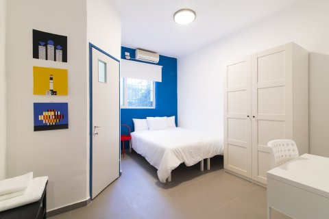 Tel Aviv-Yafo Apartments - Cozy Small Room - Main Image