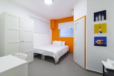 Tel Aviv-Yafo Apartments - Nice Orange Room - Main Image