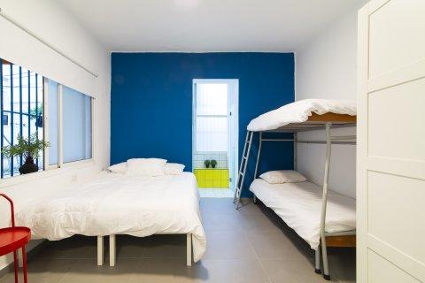 Tel Aviv-Yafo Apartments - Big Room - Bunk Bed - Main Image