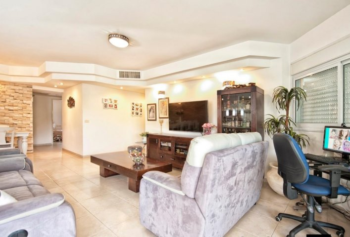 Netanya Appartements - Prince of Poleg - 4 Bed Family Apt, Netanya - Image 127784