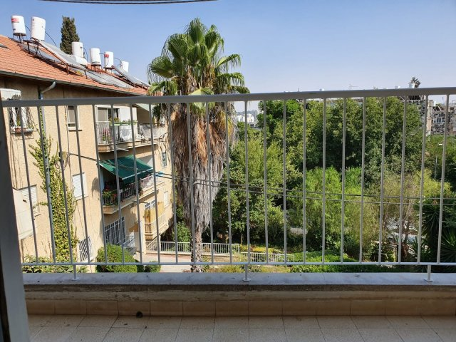 Jerusalem Apartments - Bright 2 Bdrm Kosher apartment, Jerusalem - Image 128697