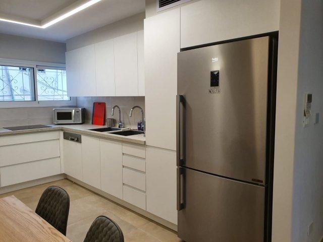 Jerusalem Apartments - BEAUTIFULLY RENOVATED 3 BDRM, Jerusalem - Image 128709