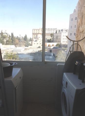 Jerusalem Apartments - 2 Bdrm Apt in Downtown Rechavia, Jerusalem - Image 128761