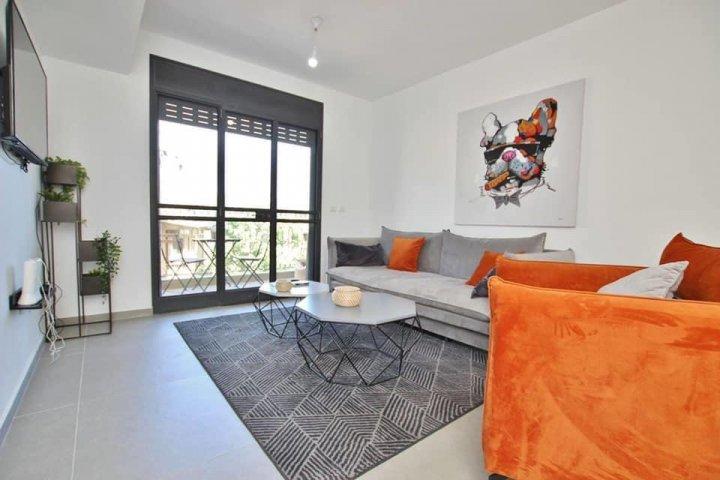Tel Aviv-Jaffa Apartments - דירה מהממת בנחלת בנימין, Tel Aviv-Jaffa - Image 129883